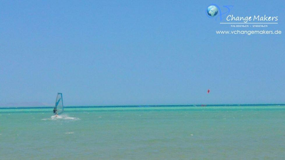 ägypten-el-gouna-meer_surfen_mövenpick_hotel