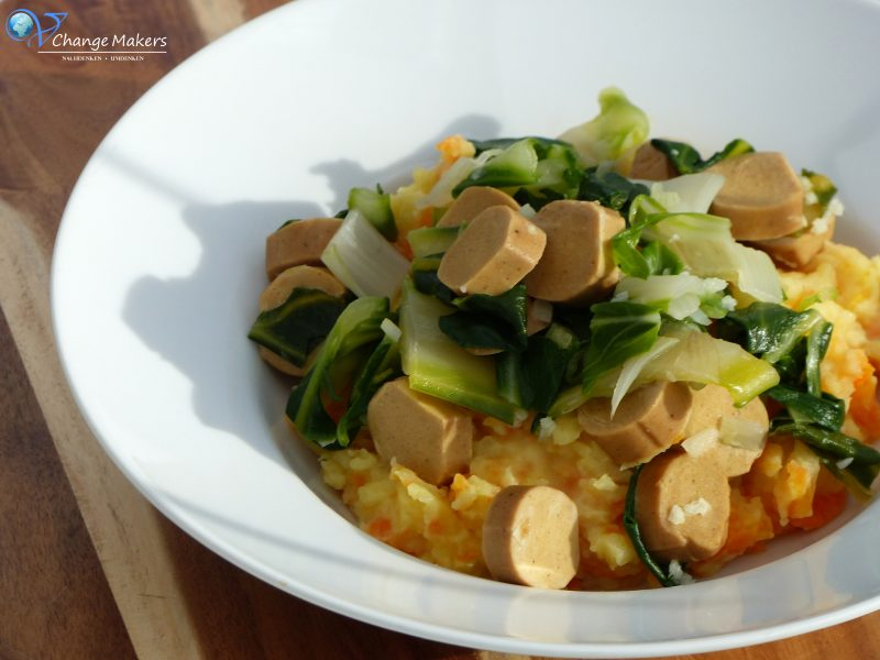 Rezept: Möhrenmus mit Mangold und Würstchen – vegan