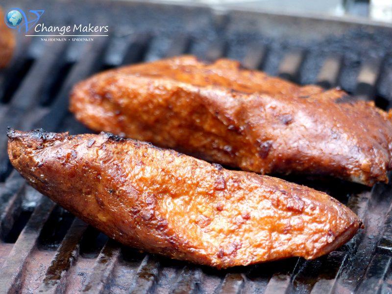 dm hat neue vegane Produkte im Sortiment, die perfekt zum Grillen sind. Hacksteak, Grillfilet, Kräuterbaguette, Chorizo Würstchen, Barbecue Soße und süße Leckereien! Unbedingt zugreifen und bunkern! Absolute Knallerprodukte von dm