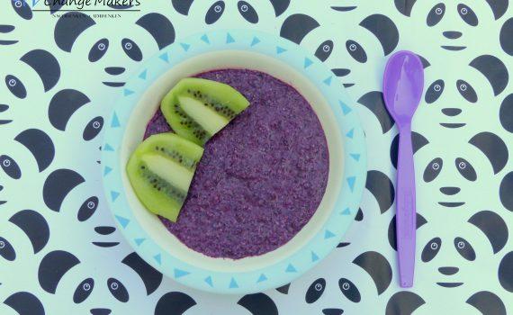 Rezept für einen veganen Frühstücksbrei: Power Babybrei für den perfekten Start in den Tag! Besonders reich an Eisen, Vitamin C, Kalium und Magnesium!