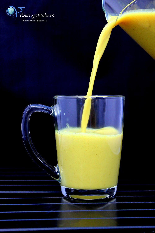 Rezept: Goldene Milch – Gesundheitsbombe hoch 10 OHNE Zucker