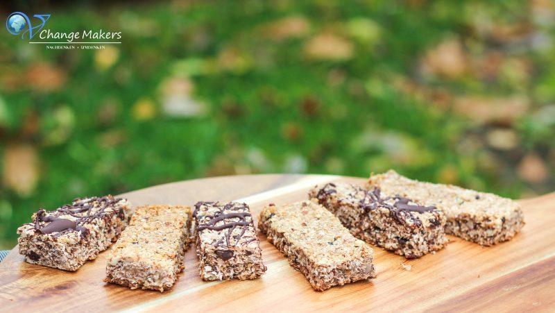 Rezept: Vegane Müsliriegel mit Mandeln und Kokos in nur 20 Minuten
