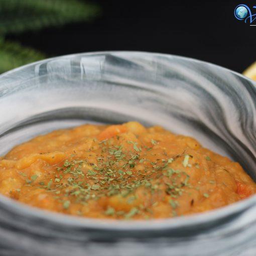 Ein Rezept für eine vegane Linsensuppe bzw. Eintopf. Linsensuppe ist sehr eisenreich, sättigend und wärmt in der kalten Jahreszeit.